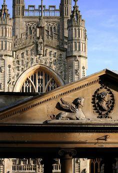 U.K. Stylistic rivalry, Bath, Somerset,  England  // Flickr: By archidave