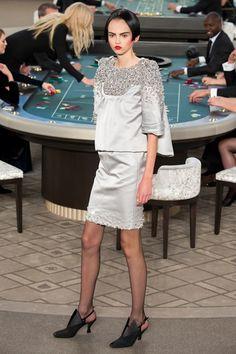 Sfilata Chanel Parigi - Alta Moda Autunno-Inverno 2015-16 - Vogue