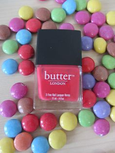 #butterLONDON #macbeth #beauty #nailpolish #sweets #douglas