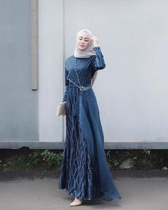 Image may contain: 1 person, standing Dress Brokat Muslim, Dress Brokat Modern, Kebaya Modern Dress, Muslim Dress, Model Kebaya Brokat Modern, Dress Brukat, Hijab Dress Party, Dress Outfits, Fashion Outfits
