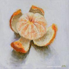 """みかんの絵が、落っことしても大丈夫な程度に乾いたので、やっとパチりと撮れました。水彩と違い、油絵は「待ち」が多いこと。描いたのをウッカリ忘れてしまいそうです。 Tangerine"""" oil. 12""""x12""""/30.5cm x 30.5cm. ©︎Yoshiko mishina #oilpainting #tangerine #stilllife #dailypainting #fruit #orange#油絵#油画#静物画#蜜柑#みかん#ミカン#yoshikomishina"""