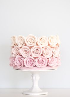 This one that's studded with ombré roses. | 24 Spectacular One-Tier Wedding Cakes