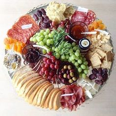 Ideas cheese plate presentation trays antipasto platter for 2019 Party Trays, Party Platters, Snacks Für Party, Food Platters, Cheese Platters, Appetizers For Party, Appetizer Recipes, Cheese And Cracker Tray, Cheese Table