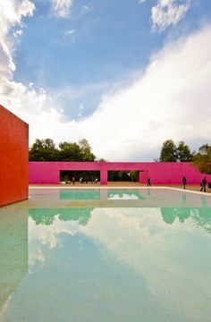 Los Clubes, Cuadra San Cristobal and La Fuente de los Amantes, Mexico City by Luis Barragan :: 1968