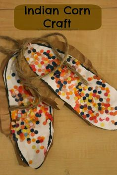THANKSGIVING: Thanksgiving craft and fine motor skills-- hole punch Indian Corn!