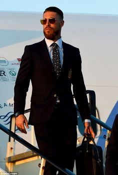Sergio Ramos Photos Photos - Sergio Ramos of Spain arrives at La Rochelle airport for Euro 2016 tournament on June 2016 in La Rochelle, Spain. - The Spain Team Departs for UEFA Euro 2016 Outfits Hombre, High Fashion, Mens Fashion, Weekend Style, Gentleman Style, Dapper Gentleman, Well Dressed Men, Beard Styles, Soccer Players