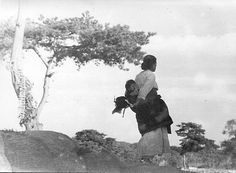 Photo by Jung hae chang, 1928, Woman with her child