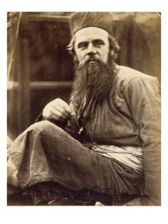 William Holman Hunt in his eastern dress. Photo by Julia Margaret Cameron. Hunt was an English painter, and one of the founders of the Pre-Raphaelite Brotherhood. Dante Gabriel Rossetti, John Everett Millais, Julia Margaret Cameron, Victorian Portraits, Pre Raphaelite Brotherhood, Country Bears, Modern Photographers, Religious Paintings, Romanticism