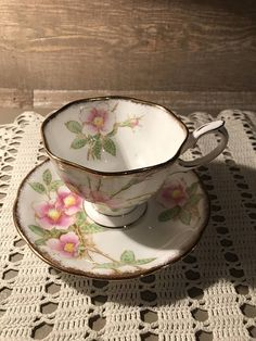 Royal Albert Avon Shaped Wild Rose Tea Cup and Saucer Crown Tea Cup Set, My Cup Of Tea, Tea Cup Saucer, Vintage Cups, Vintage Tea, Vintage Stuff, Teapots And Cups, Teacups, Cuppa Tea