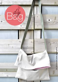 DIY Bag - For Remnant Fabric - stoere tas om zelf te maken Diy Handbag, Diy Purse, Foldover Bag, Diy Sac, Craft Bags, Purse Patterns, Fabric Bags, Handmade Bags, Diy Clothes