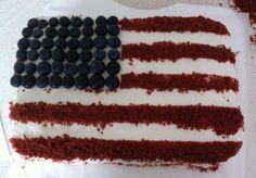 """Torta per una cena a tema """"American dream"""". Red velvet con vanilla icing. Ricetta della Magnolia Bakery di New York. Special thanks al sito Giallo Zafferano per il video :)"""