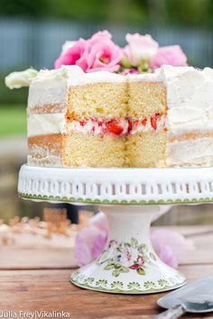 Naked Cake with Mascarpone Cream and Crushed Strawberries