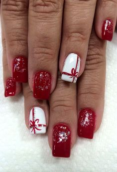 141 suprising christmas nail art design ideas for this new year -page 37 Loading. 141 suprising christmas nail art design ideas for this new year -page 37 Christmas Gel Nails, Xmas Nail Art, Holiday Nails, Christmas Makeup, Nail Art For Christmas, New Year Nail Art, New Year Art, Square Nail Designs, Nagellack Design
