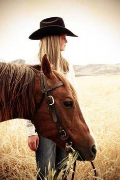 in 2018 gaan mijn paarden weg omdat ik en mijn ouders ze verkocht hebben. ik heb geen tijd meer om met ze te rijden door school en door het ongeval van mijn papa is het moeilijker geworden en daaromhebben we beslist om ze weg te doen naar een goede thuis. Cowgirl Senior Pictures, Senior Pics, Horse Pictures, Grad Pictures, Horse Photos, Western Horse Quotes, Cowgirl Quote, Equestrian Quotes, Horse Sayings