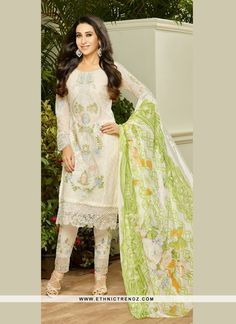 Get the simplicity and grace with this off white georgette Karishma Kapoor…