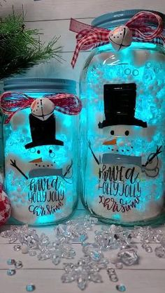 Target Christmas Decor, Silver Christmas Decorations, Homemade Christmas Decorations, Christmas Crafts, Fall Arts And Crafts, Christmas Projects, Holiday Crafts, Mason Jar Crafts, Bottle Crafts