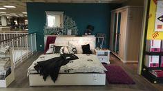 #design #interior #art #blue #violet #bedroom #inspiration #old #modern #decoration #mirror #wallpaper #lamp #relax #zone