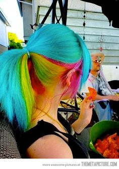 WOW I would love to be able to pull this off...if only I were blonde to make it easier =/