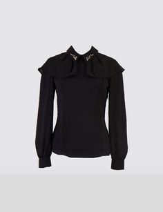 Siyah Gömlek Modelleri - http://www.gelinlikvitrini.com/siyah-gomlek-modelleri/ - #SiyahGömlekModelleri2015, #SiyahGömlekModelleri2016   Siyah Gömlek Modelleri Siyah kıyafetler hem kadınların hem de erkeklerin ilk tercihleri arasında yer alır. Hemen hemen her kıyafetle uyum sağlayabilen siyah renk herkes tarafından tercih edilmektedir. Özellikle hem kadınların hem de erkeklerin en çok kullandıkları kıyafetler arasında yer alan göm...