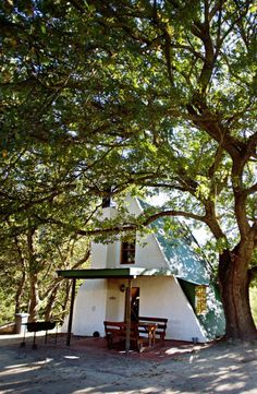 Maybe it's time for a nice getaway under the trees of the Breedekloof ...  #Breedekloof #trees #nature #getaway #MondayMotivation
