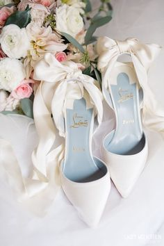 Christian Louboutins for beautiful New Orleans Wedding Elopement at Algiers Courthouse // something blue wedding shoes // wedding shoe ideas #weddingshoes #weddingideas