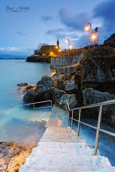 Stairs to the sea. Mundaka, Spain | by Inigo Aspirez on 500px