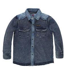 Tumble 'n Dry jog denim blouse, model Roald. Deze comfy sweat denim blouse heeft een drukknoopsluiting en twee borstzakjes. Met contrasterende kraag en schouders.