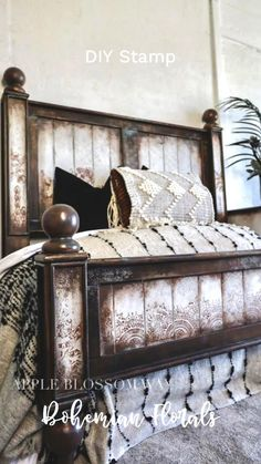 Funky Painted Furniture, Bohemian Furniture, Paint Furniture, Upcycled Furniture, Furniture Makeover, Cool Furniture, Furniture Update, Bohemian Bedroom Design, Woodland Bedroom
