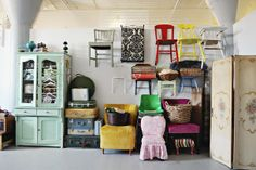 The Savvy Photographer -  Brooke Ringdahl Photography Chair wall...YES PLEASE!