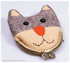 Kitten Kiss lock Purse / Animal purse / Change by PikiyinaFieltro, €17.50
