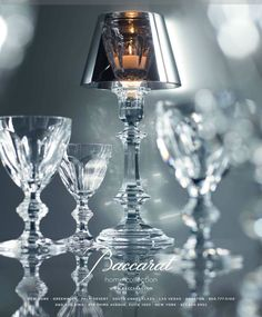 Baccarat lamp and cups Versailles, Baccarat Crystal, Home Decor Accessories, Tea Lights, Home And Garden, Chandelier, Ceiling Lights, Candles, House Styles