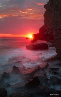 """♂ Ocean rock sunset """"Cliff faced man"""" by Adam Walters by lakisha Amazing Sunsets, Amazing Nature, Pretty Pictures, Cool Photos, Beach Pictures, Beautiful World, Beautiful Places, Beautiful Beautiful, Beautiful Sunrise"""