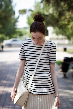 Casual look- striped top & pleated skirt