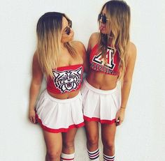 scotti and me College Game Days, College Fun, College Girls, College Outfits, Bff Goals, Best Friend Goals, Tailgate Outfit, Love Fashion, Fashion Outfits