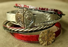 smashed knitting needle BRACELETS and beaten bollywood bangles in red, black and silver made from and by Christine Marie Davis Metal Bracelets, Bangle Bracelets, Bangles, Bracelet Making, Jewelry Making, Bijoux Diy, Boho Look, Jewelry Design, Jewelry Ideas