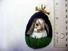 lop rabbit pin/pendant on agate