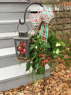 Small shepherd's hook with lantern Christmas Lanterns, Christmas Porch, Outdoor Christmas Decorations, Country Christmas, Christmas Fun, Christmas Wreaths, Christmas Projects, Holiday Crafts, Plein Air
