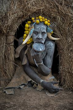 Black Girl Art, Art Girl, Mursi Tribe, African Tribes, African Beauty, Ethiopia, My Images, National Parks, Lion Sculpture