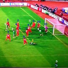 Ludogorets haki pisteen Liverpoolilta Liverpool pelasi eilen 2-2 tasapelin Ludogoretsin kanssa.  Isännät yllättivät Liverpoolin heti alkuminuuteilla, kunDani AbalokiittiSimon M... http://puoliaika.com/ludogorets-haki-pisteen-liverpoolilta/ ( #liverpoolpuolustus #liverpoolsuli #liverpoolulosmestareidenliigasta #ludogoretsliverpool #mestareidenliiga #uclfi)