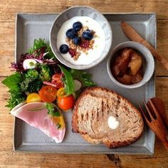Find images and videos about cool, food and life on We Heart It - the app to get lost in what you love. Cafe Food, Food Menu, Plate Lunch, Western Food, Food Presentation, Food Design, Food Plating, No Cook Meals, Asian Recipes