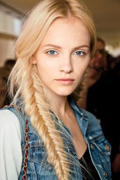 Braid ideas to try (like this messy, romantic fishtail braid)