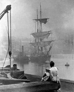 19th century photo of a tall ship on Thames.