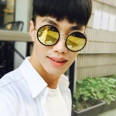 #토탈선글라스 #에이디에스알 #선글라스 / A.D.S.R #SUNGLASSES - [ADSR_MELISSA 01 (GOLD MIRROR)] 전화문의 : 02. 539. 8432 카톡문의 : TOTALSUN Round Sunglasses, Sunglasses Women, Nice View, Shades, Eyeshadow, Sunglasses