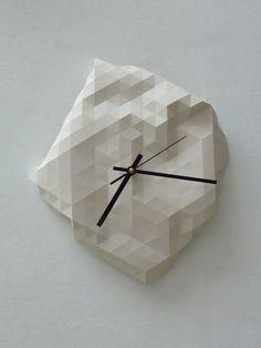 Faceted Wall Clock van RawDezign op Etsy, £50.00