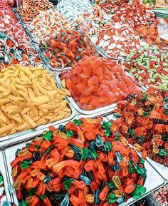 Tumblr Food, Food Wallpaper, Gummy Bears, Cute Food, Desert Recipes, Food Cravings, Street Food, I Foods, Macarons
