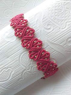 Macrame leaf bracelet with berry beads Crochet Bracelet Pattern, Macrame Bracelet Patterns, Macrame Bracelet Tutorial, Macrame Earrings, Macrame Patterns, Macrame Jewelry, Macrame Bracelets, Tatting Bracelet, Bracelet Crafts
