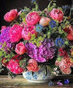 Beautiful Flower Arrangements, Colorful Flowers, Spring Flowers, Floral Arrangements, Beautiful Flowers, Silk Flowers, Deco Floral, Arte Floral, Floral Design