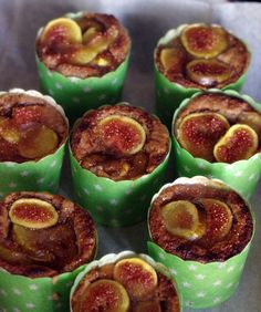 Small cakes with figs. The dough was with nuts, corn flour and regular flour.Really yummy Small Cake, Figs, I Foods, Sushi, Muffin, Breakfast, Ethnic Recipes, Morning Coffee, Cupcakes