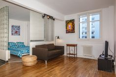 You've come to Paris for new impressions and unforgettable emotions and, of course, wanna find a good inexpensive accommodation in a pleasant area of the city... It is quite understandable desire, and the GlamurApartments company are always ready to help you.