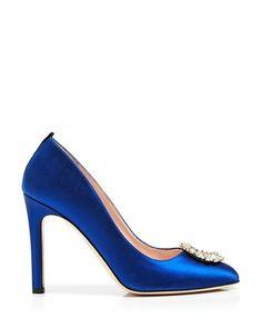 Escarpins bleu roi, Sarah Jessica Parker chaussures pour mariées http://www.vogue.fr/mariage/adresses/diaporama/sarah-jessica-parker-lance-sa-collection-descarpins-pour-maries/20914/carrousel#sarah-jessica-parker-lance-sa-collection-descarpins-pour-maries-5